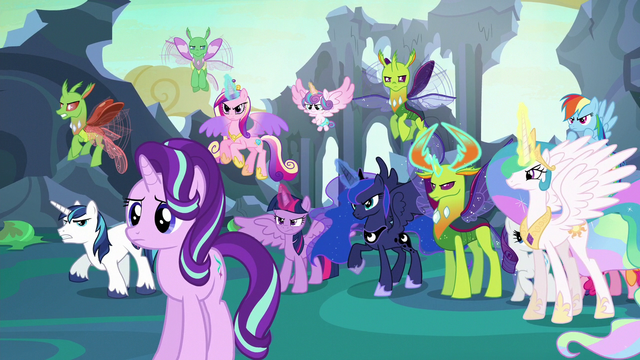 File:Starlight Glimmer in front of angered ponies and changelings S6E26.png
