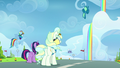 Twilight, Rainbow, and Vapor watching Sky in the air S6E24.png