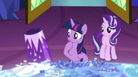 Twilight with her own party cannon S8E2