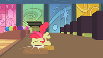 Apple Bloom's chin hits the floor S2E06