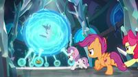 Crusaders gallop toward magic sphere S8E26