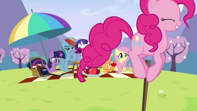 Файл:Pinkie Pie bouncing around picnic S3E7.png