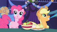 Pinkie Pie guessing S01E01