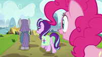 Pinkie watches Starlight and Maud leave together S7E4