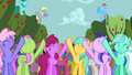 Ponies singing along 4 S2E15.png