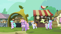 Ponies walk away from Granny and Grand Pear's arguing S7E13