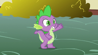 Spike waves goodbye to Lyra and Sweetie Drops S7E15