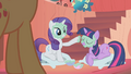 Twilight and Rarity mud mask S01E08.png