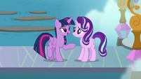 Twilight thanking Starlight for her advice S8E2