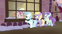 Young Snowfall glares at her friends S6E8