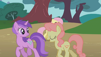 Amethyst Star and Gala Appleby walk past Fluttershy S1E7
