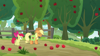 "Applejack ""can't believe I'm sayin' this"" S9E10"