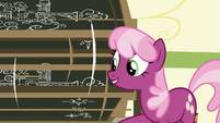 Cheerilee spinning a swivel chalkboard S9E12