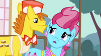 """Mrs. Cake """"certainly wouldn't want to scare them"""" S4E16.png"""