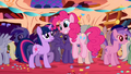 Pinkie Pie introduction Twilight Sparkle party S1E01.png