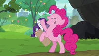 Pinkie Pie playing with her confetti S6E3