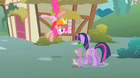 Pinkie Pie twitches S1E15