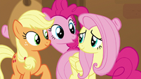 Pinkie appears between Applejack and Fluttershy S7E2