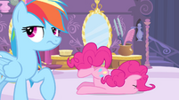 Pinkie faceplant S4E13