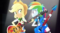 Rainbow Dash singing next to Applejack EG2