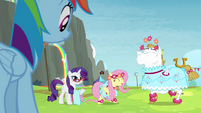 Rainbow sees Fluttershy and Bulk in dresses S4E10