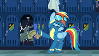 Rainbow tosses her jacket aside S6E7