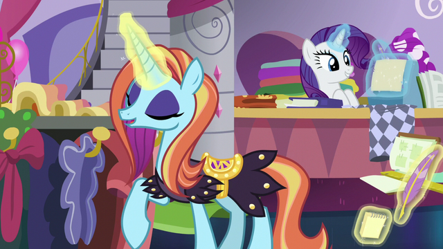File:Sassy Saddles sighing with relief S7E6.png