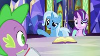 Trixie volunteers Spike to try teleporting on S7E2