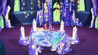 Twilight, Celestia, and Spike in the throne room S7E1