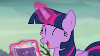"Twilight ""a whole book on dragons!"" S6E5"