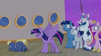 Twilight Sparkle stomps a hoof on the floor S7E22