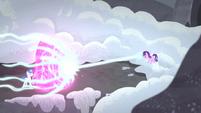 Twilight bloqueando el ataque de Starlight El Mapa Cutie Parte 2