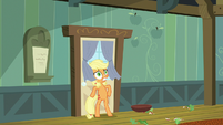 Applejack slams door behind Granny Smith S6E23
