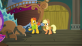 Applejack talking to the stage manager S6E20.png