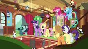 Big Daddy McColt reúne y anima a las ponis y a los animales T7E5