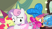 CMC with the dresses S4E19