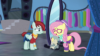 "Fluttershy ""isn't even on the same page"" S8E4"