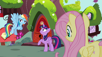 Rainbow blowing raspberry S4E21