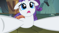 Rarity distraught at the Diamond Dogs S1E19.png