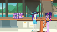 Rarity scowling at Twilight Sparkle EGDS18