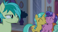 Sandbar annoyed by chatting mares S8E25