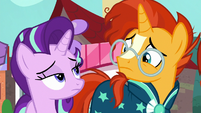 Starlight and Sunburst look at each other with worry S8E8