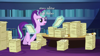 Starlight looks through Twilight's friendship lessons S6E1