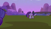 Twilight Sparkle walking away depressed S2E03