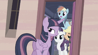Twilight smiles S5E02