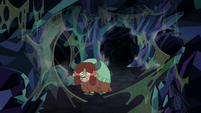 Yona surrounded by spider webs S8E22