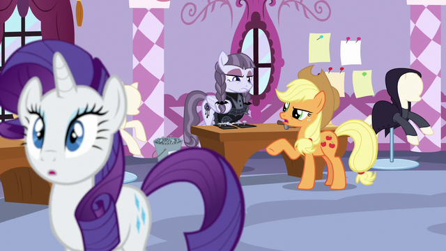 """File:Applejack """"more like an old and tattered look!"""" S7E9.png"""