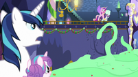 Cadance carries Rarity to castle balcony MLPBGE