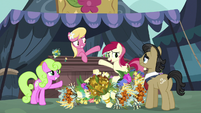 Flower trio doesn't have much flowers left S7E19