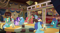 Interior view of the Get On Inn S8E19